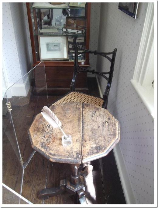 Jane Austen_Desk