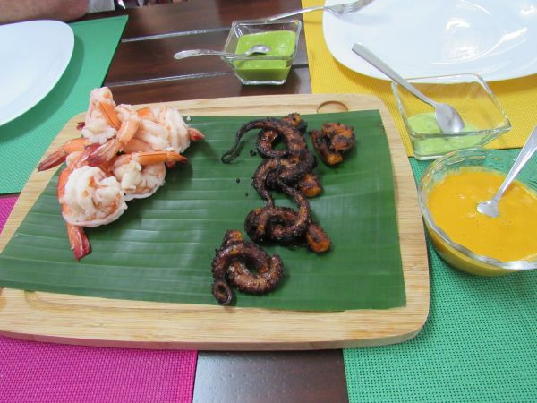 Octopus and prawns ready to eat.