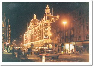 Harrods, Knightsbridge, London at night