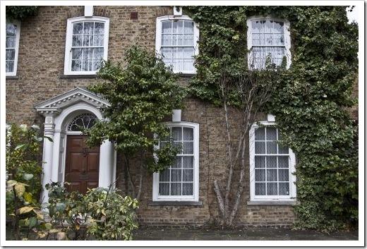 bigstock-Entrance-to-Georgian-house-27533723