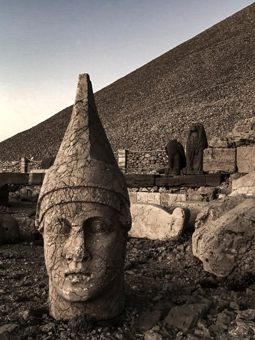 Heads at Nemrut Dagi, Turkey