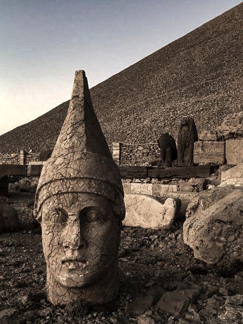 Heads at Nemrut Dagi, Turkey